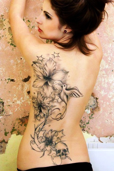 tatuagem grande nas costas feminina