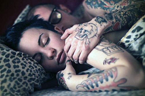 casal com tatuagens8