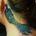 tatuagens femininas no pescoço