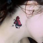 tatuagens no pescoço