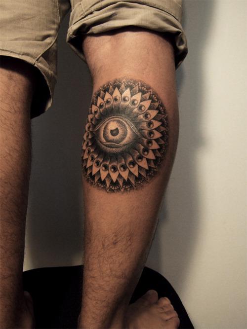 Deixe Suas Pernas Mais Atraentes Com Tatuagens