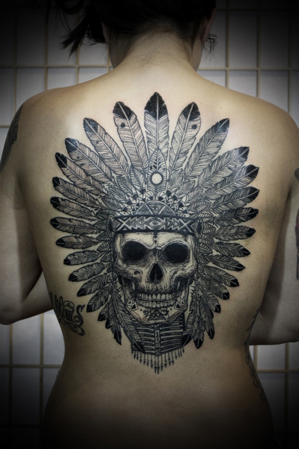 De tatuagens femininas nas costas fotos de tatuagens femininas nas costas thecheapjerseys Image collections