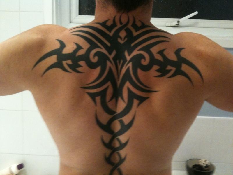 Extremamente Tatuagens Masculinas nas Costas TV12