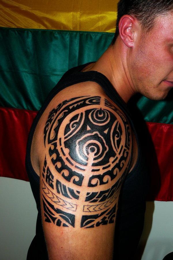 tatuagens masculinas no ombro