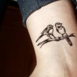 tatuagens femininas no pulso