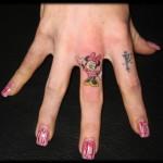 Veja algumas ideias de tatuagens para tatuar no dedo