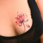 tatuagens femininas nos seios