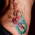 tatuagens femininas na cintura